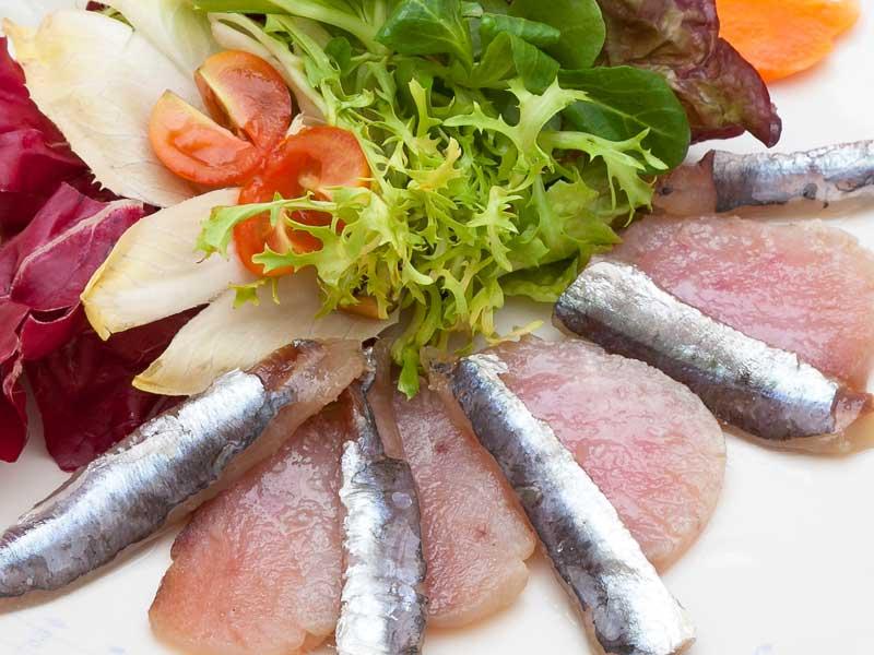 Marinado de bonito y anchoas del Asador Guetaria de Bilbao