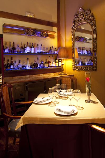 Mesa en el Asador Getaria de Bilbao