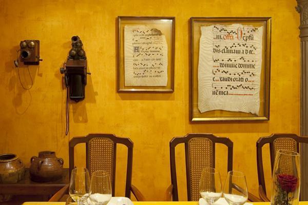 Comedor del Asador Guetaria de Bilbao